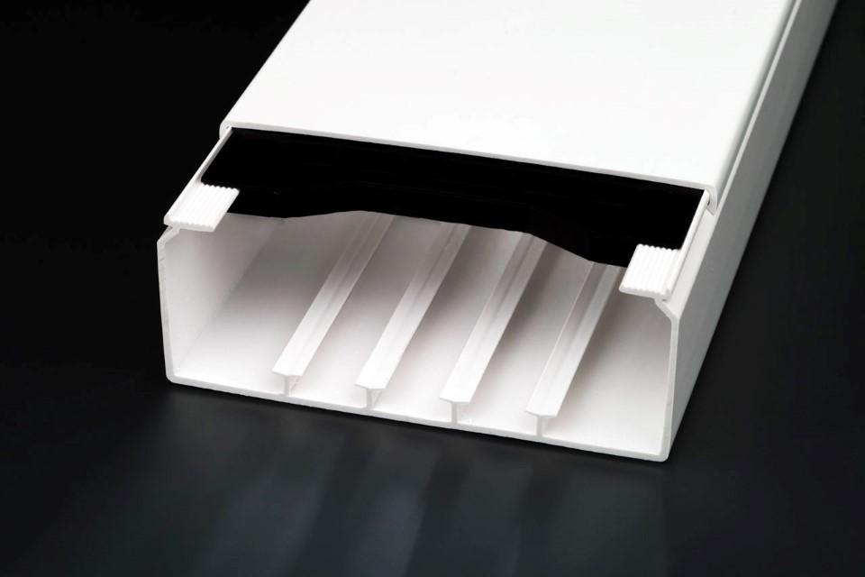 licatec installationskanal ck 150x60mm 150 mm reinwei ral 9010 installationskan le. Black Bedroom Furniture Sets. Home Design Ideas